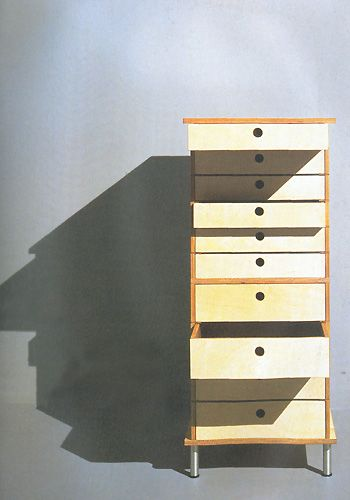 fundaci n proa axel kufus cajonera cargador 1995. Black Bedroom Furniture Sets. Home Design Ideas